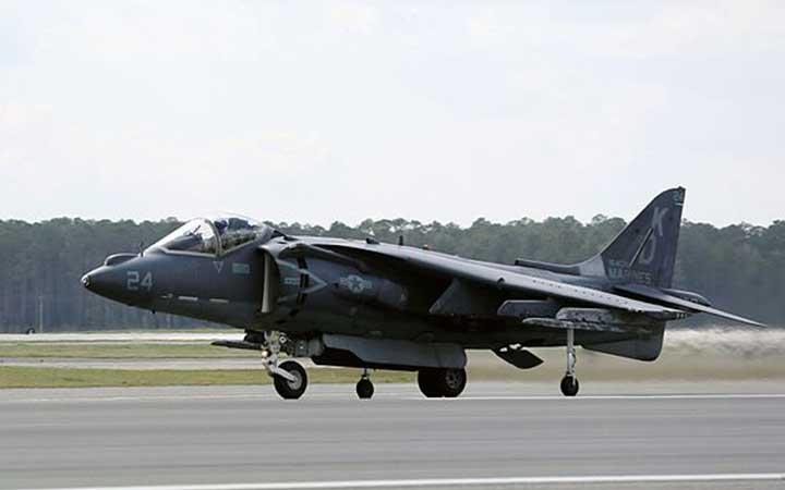 Cherry Point AV-8B Harriers take flight